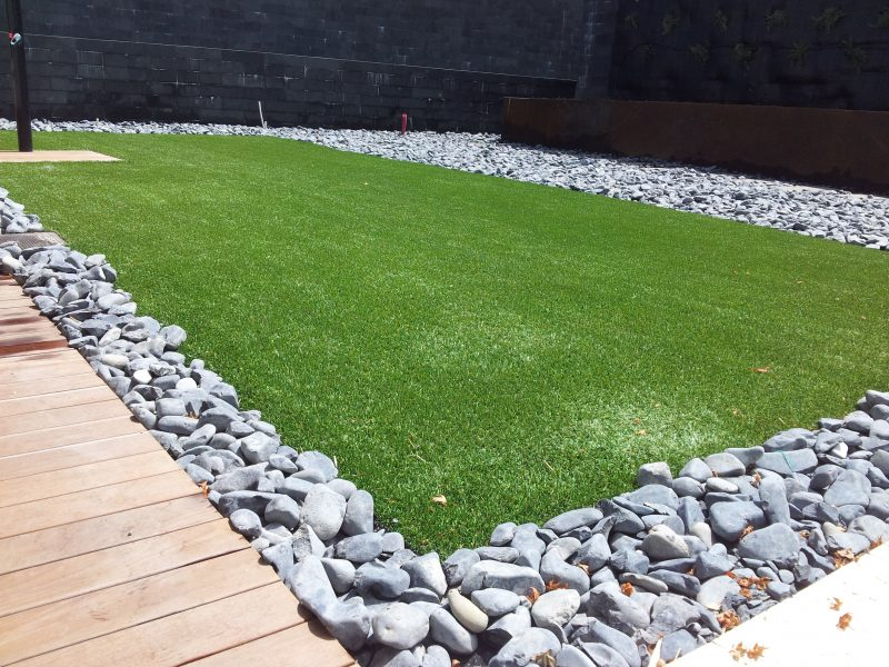 Colocaci n de c sped en cantabria jardiner a diego for Cesped artificial economico